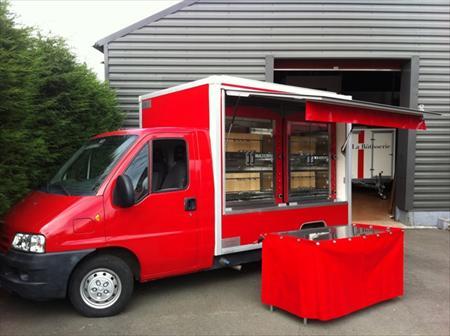 transformer caravane en food truck dm service. Black Bedroom Furniture Sets. Home Design Ideas